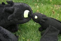 Plantilla gratis para hacer un dragón, parece el de los Dragones de Mema > Enlace a 4 plantillas e instrucciones. Solo para uso personal.