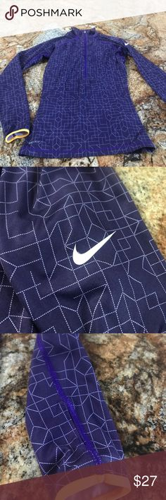 Nike Pull Over Excellent used condition no rips Nike Tops Tees - Long Sleeve