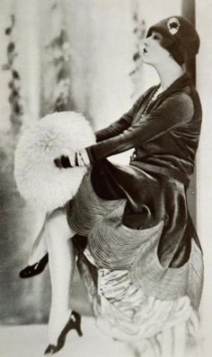 vintage everyday: 1920s: The Period of The Female Fashion Outbreak Over 90 Years Ago