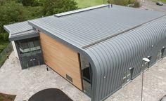 VieoZinc (zinc covered aluminium) curved roof.