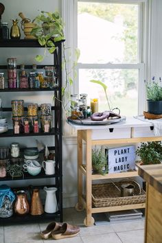 An open shelving pantry storage guide for displaying and organizing your favorite herbs, teas, superfoods and dry goods. Perfectly boho!