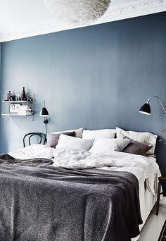 De kleur blauw straalt frisheid, reinheid, rust en kalmte uit. Precies wat je wilt in je slaapkam...