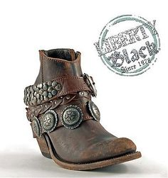 #libertyblackboots http://www.rockytopleather.com/products/liberty-black-short-t-moro-toscano-concho-boot.html