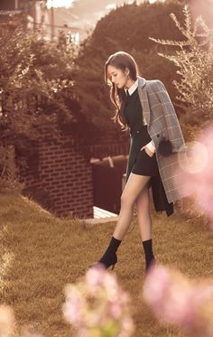Park Mignon shoots in intense heat. - Park Myeong-young shoots in intense heat … A gravure behind cut with the atmosphere of autumn is - Korean Actresses, Korean Actors, Korean Beauty, Asian Beauty, Park Min Young, Cute Korean Girl, Korean Street Fashion, Young Fashion, Korean Celebrities