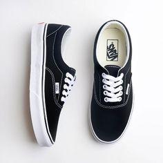 015c90bd900 71 melhores imagens de Tênis   Sneaker
