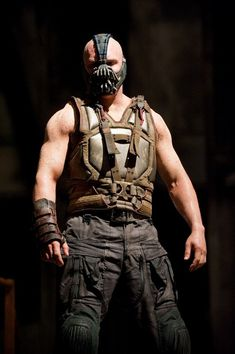 He's evil! But he has become my favorite villain over night. Thank's to Tom Hardy and Christopher Nolan. Tom Hardy in The Dark Knight Rises Batman The Dark Knight, Batman Dark, The Dark Knight Rises, Bane Batman, Christopher Nolan, Chris Nolan, Gym Memes, Gym Humor, Workout Humor
