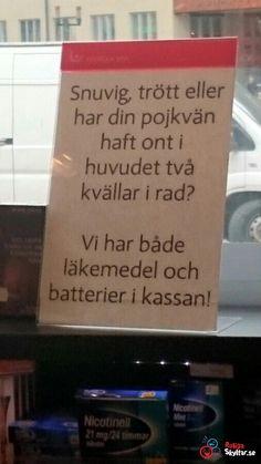 ICA kan skapa skyltar de också! Undrar va de menar egentlig? ;) Funny Signs, Funny Jokes, Hilarious, Swedish Quotes, Im Crazy, Cheer Up, Pranks, Some Fun, Haha