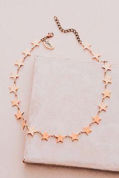 Cute Jewelry, Jewelry Box, Jewelry Accessories, Jewlery, Peach Aesthetic, Accesorios Casual, Anklets, Arrow Necklace, Fashion Jewelry