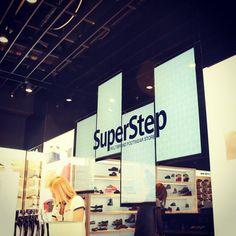 #Solosis #Digitalsignage #Videowall SuperStep Mağazaları Videowall Ekranları www.solosis.com.tr