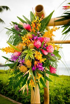 Dellables tropical ceremony floral arrangement, Island Fresh Photography