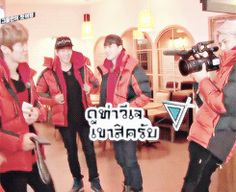 Unseen EXO Showtime cut: in which luhan is happily posing for sehun's camera