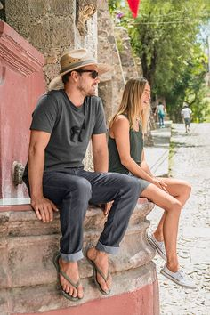 Travel ready styles with the planet in mind. Male Feet, Panama Hat, Organic Cotton, Going Out, Stylish, Stuff To Buy, Men, Travel, Life