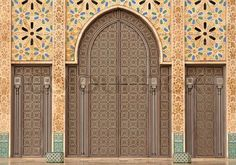 Casablanca - الدار البيضاء a complete history of Casablanca Morocco. Get upto date with Casablanca& law, rules and regulation of Morocco Hassan 2, Moroccan Lounge, High Resolution Picture, Moorish, Where To Go, Morocco, Night Life, Wander, The Good Place