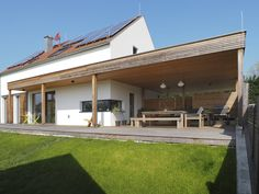 "Neubau im ehemaligen ""Hintaus"" von Jettsdorf Front Porch, Tiny House, Facade, Pergola, Barn, Exterior, Outdoor Structures, Live, Outdoor Decor"
