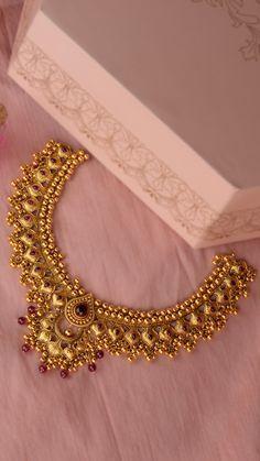 Gold Earrings For Kids, Gold Earrings Designs, Gold Jewellery Design, Gold Jewelry, Jewelry Necklaces, India Jewelry, Gold Bangles, Necklace Designs, Beaded Jewelry
