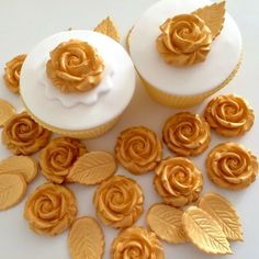 Decorations & Cake Toppers Home Furniture & DIY Flower Cake Decorations, Sugar Paste Flowers, Edible Cake, Blue Roses, Cupcake Toppers, Cake Decorating, Desserts, Food, Tailgate Desserts