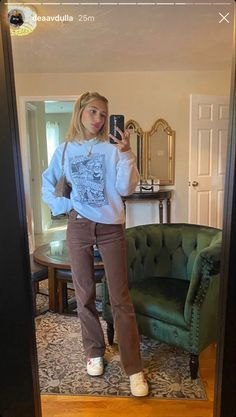Indie Outfits, Teen Fashion Outfits, Retro Outfits, Cute Casual Outfits, Look Fashion, Vintage Outfits, 2000s Fashion, Casual College Outfits, Fashion Hacks