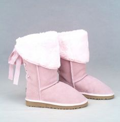 LOVE it This is my dream ugg boots-fashion ugg boots! Click pics for best price ♥ugg boots♥ Ugg Snow Boots, Ugg Boots Sale, Winter Boots, Ugg Shoes, Shoe Boots, Pink Uggs, Ugg Classic Short, Knit Boots, Pretty Shoes