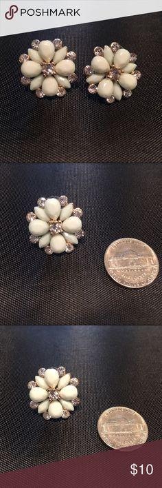 ‼️BUNDLE‼️ | Mint Statement Earrings Gorgeous Statement Earrings in Mint. Earrings size compared to a Nickel. Jewelry Earrings