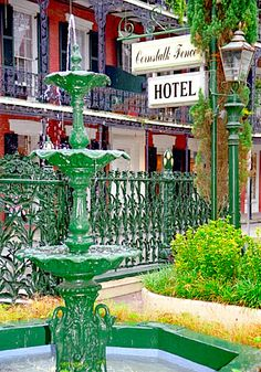 French Quarter - Cornstalk Fence Hotel