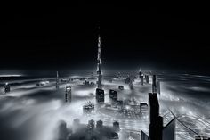 Dubai Buildings Are So High, You Can Look Down at the Clouds - My Modern Met Sport Photography, Video Photography, Amazing Photography, Dubai Skyscraper, Dubai City, Exposition Multiple, Dubai Buildings, Black And White City, Multiple Exposure