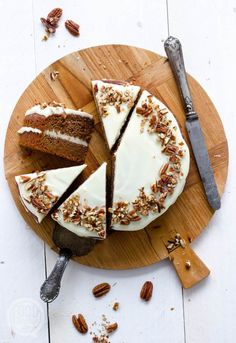 Zucchini cake with pine nuts - Clean Eating Snacks Healthy Pie Recipes, Sweet Recipes, Cake Recipes, Vanilla Sheet Cakes, Piece Of Cakes, Savoury Cake, High Tea, Love Food, Cupcake Cakes