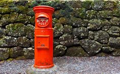 The history of Japan's mail box began in 1871. Originally coming from the United Kingdom, currently there are 181,895 of them all over the country. Commonly, the color is red, same as the UK post box. Nowadays, the typical shape is the boring square type, but we prefer the cute traditional round mail boxes. Also there are rather unusual mail boxes in Japan, such as the panda, Kumamoto Castle, snowman, train, and peach types