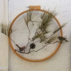 Craftside: How to Make a Bird on a Branch Decoration with an embroidery hoop and a Sizzix bird die