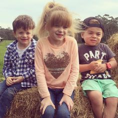 Little farm kids! Isla and Jude visited their friend Kyuss yesterday at his grandparents farm. Kyuss has Sanfilippo Syndrome like Isla and Jude but yesterday Sanfilippo was far from everyone's mind they were just little mates playing and feeding cows. #hopeforislaandjude #hopeforkyuss by hopeforislaandjude