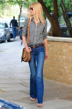 18 Stylish Ways To Wear Flared Jeans Styleoholic | Styleoholic