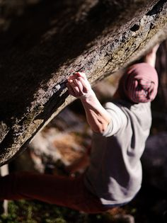 newly obsessed with rockclimbing. even though I can barely make it halfway up the wall in skog