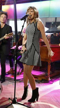 Jennifer Nettles in Koomi dress, Fendi boots & Valentino bracelet on TODAY  http://www.jennifernettles.com/