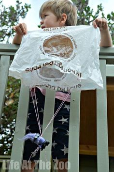 Simple parachute experiment exploring AIR and different forces #ScienceAtHome