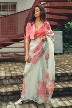 Shopzters | Time to follow the 'Shirt Jacket' Trend! Saree Wearing Styles, Saree Styles, Trendy Sarees, Stylish Sarees, Fancy Blouse Designs, Saree Blouse Designs, Indian Dresses, Indian Outfits, Modern Saree