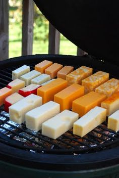 Fun With Cold Smoking MacGyver Style Nibble Me This: Fun With Cold Smoking Cheese MacGyver Style Traeger Recipes, Grilling Recipes, Grilling Tips, Vegetarian Grilling, Tailgating Recipes, Healthy Grilling, Barbecue Recipes, Barbecue Sauce, Kamado Grill