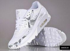 Nike Air Max Sneakers. Love the design!