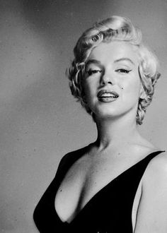 Marilyn Monroe - 1954 - Photo by Philippe Halsman Marilyn Monroe Kunst, Philippe Halsman, Greta, Gentlemen Prefer Blondes, Marlene Dietrich, Norma Jeane, Brigitte Bardot, Belle Photo, American Actress
