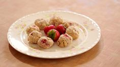 Baking is one of the hardest things to do when you are trying to stay gluten free. In episode 9 of Gluten Free Tasty, host Phoebe Lapine demonstrates how to make strawberry coconut cookies. With this easy-to-make recipe you can say goodbye to always turning down dessert!
