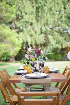 I'm rather obsessed with the idea of outdoor dining areas.