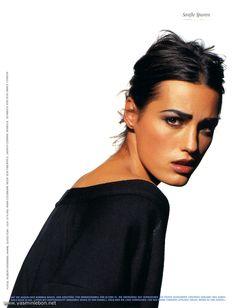 Supermodel Yasmin Le Bon. Fashion. Makeup. Jewelry. 1990s.