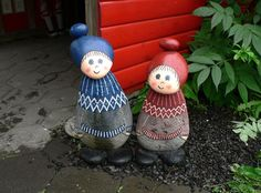 This is a very clever idea: cute statues made from painted rocks