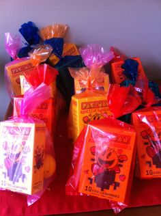 Pacman Goodie Bags: Includes Pacman band-aids, Pacman crayons & Pacman wind-up toys