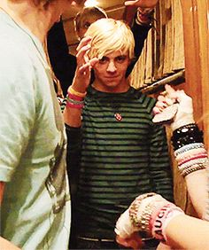 Ross: Hey guys look I'm Magic! Me Before he even does anything: I Know!!