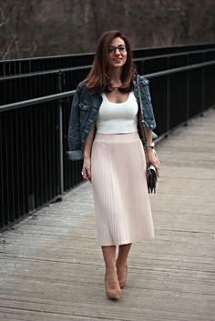 Blush Pleats Skirt and Jeans jacket / casual chic look – MODE DELINA