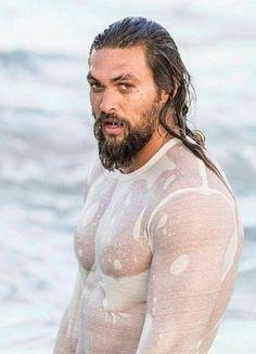 Jason Momoa-All soaked and sexy. Jason Momoa Aquaman, Aquaman Actor, Lisa Bonet, Zec Efron, Jason Moma, Boys Lindos, Khal Drogo, Hommes Sexy, Famous Men