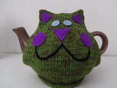 Cheeky cat tea cosy
