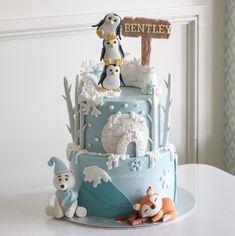 Artic animal cake
