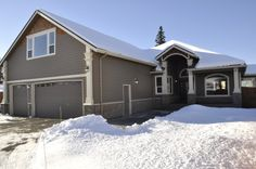 Stunning Ranch style home with raised media room. Anchorage, AK