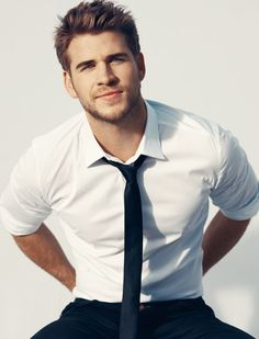 Liam Hemsworth...I could grab that tie and...*