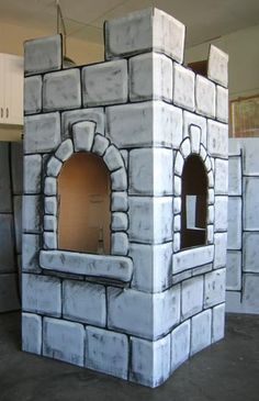 Mighty Fortress VBS 2017 DIY castle out of cardboard idea Cardboard Castle, Cardboard Crafts, Painting Cardboard, Large Cardboard Boxes, Cardboard Sculpture, Chateau Medieval, Medieval Party, Knight Party, Brick Design